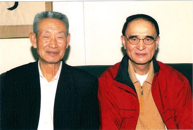 Maître Guo Guizhi en compagnie de Maître Chang Zhilang, Hong Kong 2011