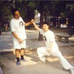 Maître Feng Zhiqian et Chen Zhonghua (photo practicalmethod.com)