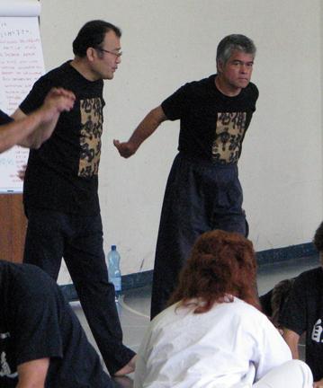 Dr Toshihiko Yayama et Me Kenji Tokitsu, Suisse