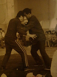 Chang Zhilang & GuoGuizhi in a tuishou match