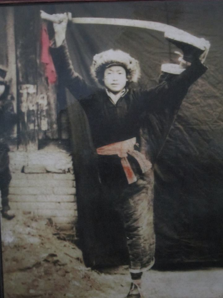 A young Guo Guizhi practicing his sword technics